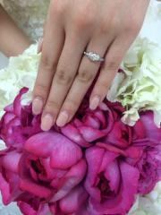 【ティファニー(Tiffany & Co.)の口コミ】 婚約指輪を選びにティファニーのお店に立ち寄り、 商品を眺めていた時に目…