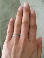 【カルティエ(Cartier)の口コミ】 婚約指輪は買わないということで結婚指輪を奮発してもらいました。 主人が…