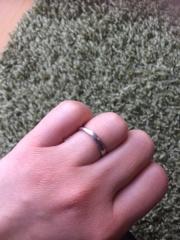 【4℃(ヨンドシー)の口コミ】 結婚指輪は何年も日常ずっとつけるものなので、普段つけていても違和感の…