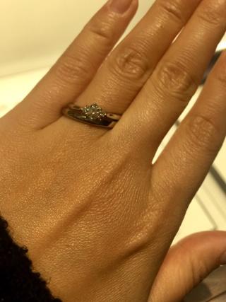 【俄(にわか)の口コミ】 もともと婚約指輪は一粒ダイヤのイメージだったので、一粒ダイヤのものを…