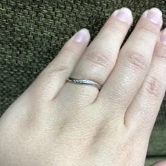 【4℃(ヨンドシー)の口コミ】 昔から欲しかった4°Cの指輪。指が太いので華奢に見える形を探していた…