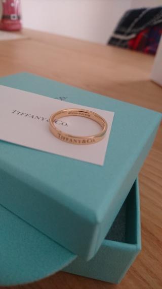 【ティファニー(Tiffany & Co.)の口コミ】 TIFFANYの『デザイン』が一番の決め手となりました。シンプルなデザインの…