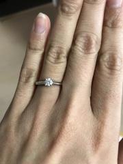 【カルティエ(Cartier)の口コミ】 すごくシンプルで、かつ上品なカルティエのデザインが気に入っていて、婚…