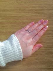 【ティファニー(Tiffany & Co.)の口コミ】 シンプルで、指触りがいいデザインだったため、購入に至りました。石がつ…