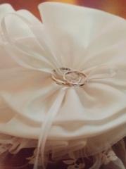 【LEGAN(レガン)の口コミ】 細めのリングが中央で綺麗な螺旋を描いており、指につけると直線なのに螺…