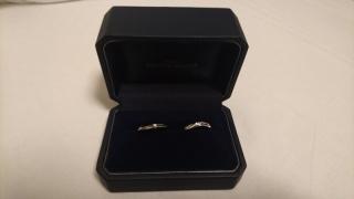 【銀座ダイヤモンドシライシの口コミ】 指が太く、普通の指輪だと指輪に締め付けられて指輪の上に肉が乗っている…