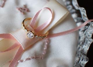 【CHER LUV(シェールラブ)の口コミ】 なんといってもデザインです。この指輪を着けている方がいて、あまりに素…