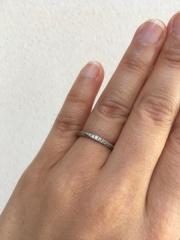 【銀座ダイヤモンドシライシの口コミ】 デザインがとても華やかで可愛くて、一目で気に入りました。 あまりゴツい…