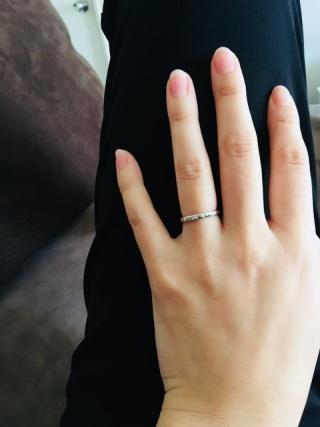【銀座ダイヤモンドシライシの口コミ】 旦那がつちめ加工の指輪が良いと 決めたいたので こちらで購入 デザインが…