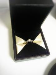 【エクセルコダイヤモンド(EXELCO DIAMOND)の口コミ】 7色に輝くダイヤに一目惚れしました。拡大鏡で見たときにハートの形がし…