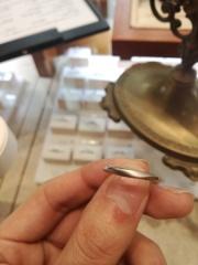 【アネリディギンザ(ANELLI DI GINZA)の口コミ】 形状はウェーブタイプで一部マット加工がほどこされておりとても大人な指…