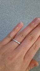 【宝石の柿崎の口コミ】 ダイヤがキラキラ光るような指輪が欲しくて探していました。ハーフエタニ…