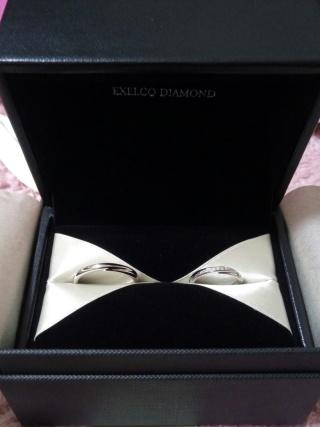 【エクセルコダイヤモンド(EXELCO DIAMOND)の口コミ】 色んなお店で好みと似ているものを探して比較しました。斜めにダイヤが入…