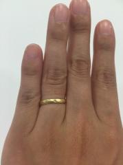 【gram(グラム)の口コミ】 お店には沢山の指輪のサンプルがおいてあり 1つ1つオーダーでの購入だった…