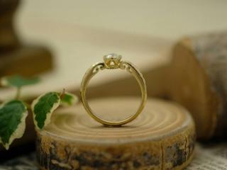 【サロン・ド・ルシェルの口コミ】 彼がルシェル様のダイヤモンドでプロポーズしてくれました。自分の好きな…