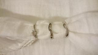 【HEART HOPEの口コミ】 まっすぐの指輪だと指が太く見えてしまったのでカーブがあるものにしまし…