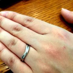 【アネリディギンザ(ANELLI DI GINZA)の口コミ】 個性的なデザインに惹かれました。幾つか試着してみたのですが、自分の指…