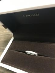 【アイプリモ(I-PRIMO)の口コミ】 シンプルなストレートのラインの指輪を探していました。シンプルなだけで…
