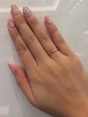 【LUCIE(ルシエ)の口コミ】 ゴールドで細い指輪なので人と被りにくいと思いますし、かっこよく付けら…