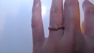 【MIKIMOTO(ミキモト)の口コミ】 婚約指輪と同時に購入しました。生活する際には結婚指輪を外すことが前提だ…