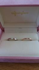 【BROOCH(ブローチ)の口コミ】 定番の結婚指輪っぽくなく、カラーも形も男女全く同じではないところが気…