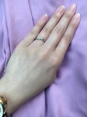 【銀座ダイヤモンドシライシの口コミ】 婚約指輪は買わず、結婚指輪のみの購入だったので、キラキラしたダイヤの…