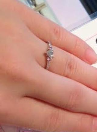 【ジュエリーツツミ(JEWELRY TSUTSUMI)の口コミ】 ハートの形をした指輪も気になっていたので、探していたらデザイン豊富に…