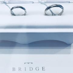 【BRIDGE(ブリッジ)の口コミ】 ブライダルリングにひねりを効かせたデザインはたくさんありますが、縄の…