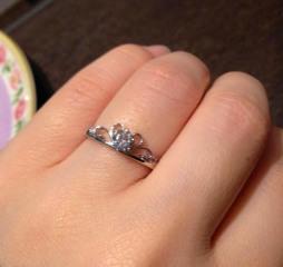 【Dolfani(ドルファーニ )の口コミ】 普通のシンプル過ぎる指輪ではなく、可愛いものが好きなので、結婚指輪も…