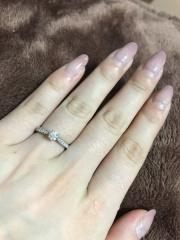 【銀座ダイヤモンドシライシの口コミ】 決め手は形とダイヤの質、大きさです。 他と比べてダイヤの輝きがすごかっ…