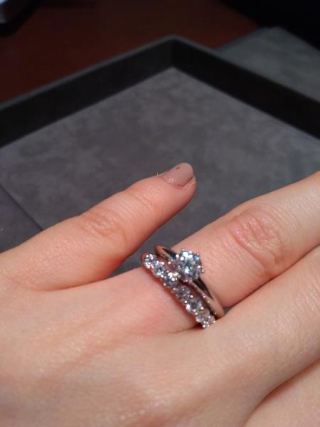 meet 58ee9 4788a ティファニーの婚約指輪で一粒ダイヤで0.5カラット以上のものを ...