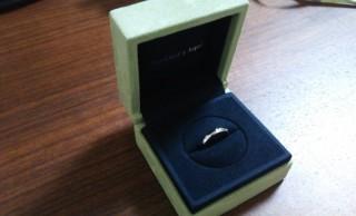 【ヴァン クリーフ&アーペル(Van Cleef & Arpels)の口コミ】 ■アンフィニエトワールマリッジリング 3つのダイヤがとても可愛く、シン…