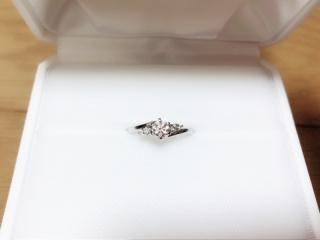 【カオキ ダイヤモンド専門卸直営店の口コミ】 ダイヤモンドの卸ということで、良いものを安く購入することが出来ました…