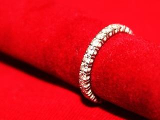 【カルティエ(Cartier)の口コミ】 ぐるりと一周したダイヤがどの角度から見てもキラキラと光ってとても綺麗で…