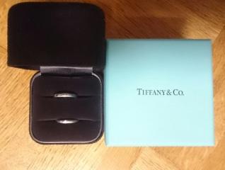 【ティファニー(Tiffany & Co.)の口コミ】 飽きのこないシンプルなプラチナリングを条件にネットでも探していたので…