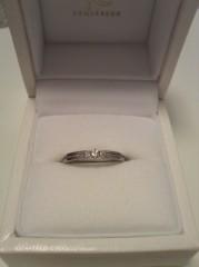 【組曲ジュエリーの口コミ】 婚約指輪に重ね付けしたいという希望と、ミル打ちデザインが欲しいという条…