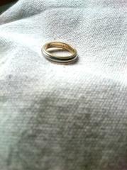 【ティファニー(Tiffany & Co.)の口コミ】 最初はピングゴールドの指輪が可愛いなと思っていたのですが、やっぱり丈…