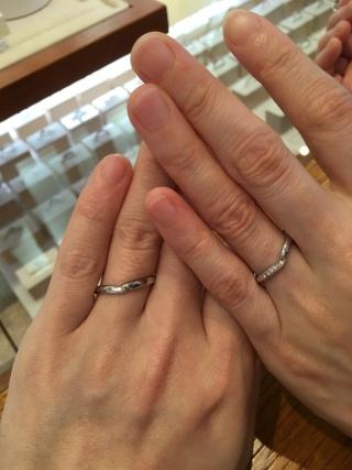 【アネリディギンザ(ANELLI DI GINZA)の口コミ】 重ね付けが可能な指輪を希望していたので、そこそこの商品があったが、特…