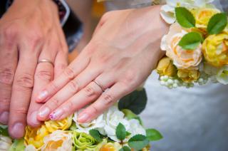 【SIENAROSE(シエナロゼ)の口コミ】 キラキラとしすぎる指輪が苦手でなので、手に馴染む落ち着いた感じの結婚…