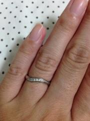 【4℃(ヨンドシー)の口コミ】 ハイブランドのもの、国内ブランドものも両方を試着しました。 婚約指輪を…