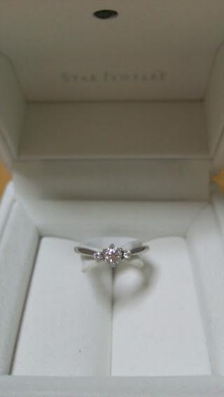 【スタージュエリー(STAR JEWELRY)の口コミ】 交際中からSTAR JEWELRYが好きで、婚約指輪は絶対STAR …