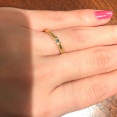 【ORECCHIO(オレッキオ)の口コミ】 婚約指輪を購入していなかったので、ダイヤモンドが入ったシンプルですが…