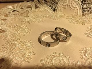 【ルイ・ヴィトン(LOUIS VUITTON)の口コミ】 結婚指輪は毎日着けたかった為、私のごつごつした手にも合うものを探してい…