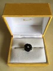 【ケイウノ ブライダル(K.UNO BRIDAL)の口コミ】 一生に一度の婚約指輪なので、世界に一つしなかいものを、、と思いオーダ…