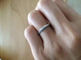 【4℃(ヨンドシー)の口コミ】 シンプルだけど、ダイヤがあるのでほんの少しの特別感があります。 婚約指…