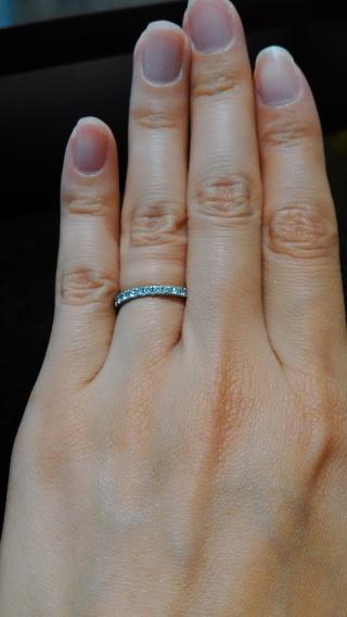 【ラザール ダイヤモンド(LAZARE DIAMOND)の口コミ】 婚約指輪を買う予定がなかったので、結婚指輪にダイアモンドが埋め込まれて…