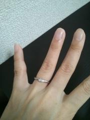 【エクセルコダイヤモンド(EXELCO DIAMOND)の口コミ】 ゼクシィの結婚指輪の特集でこちらのお店を初めて知りました。飽きのこない…