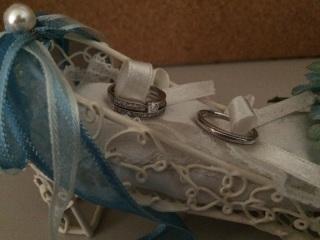 【ジュエリーツツミ(JEWELRY TSUTSUMI)の口コミ】 有名ブランドも考えていたのですが、ハーフエタニティ系の婚約指輪、結婚指…