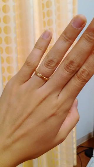 【ヴァンドーム青山(Vendome Aoyama)の口コミ】 結婚指輪はゴールドがいいと決めていました。 この指輪は初めカタログでみ…