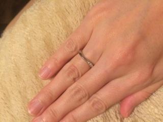 【JEWELRY  KAMATA(ジュエリーかまた)の口コミ】 カーブがかかっている指輪が好きなのですが、気になって試着してみたものは…